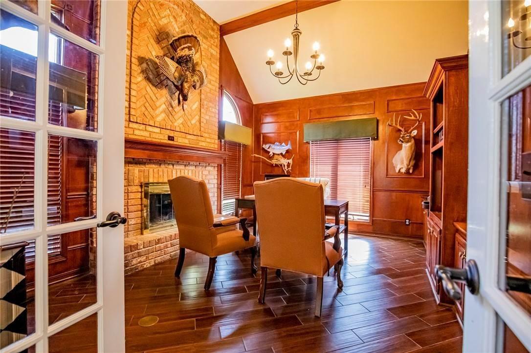 6. Single Family Homes for Sale at 1801 El Contento Circle Bentonville, Arkansas 72712 United States