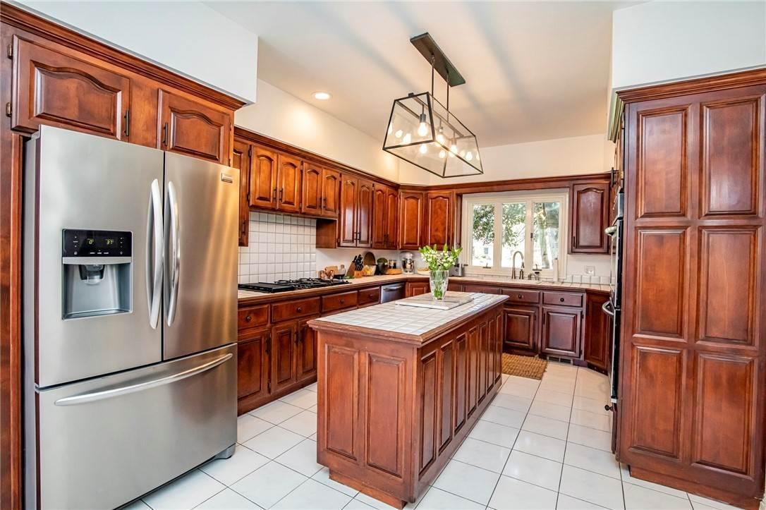 7. Single Family Homes for Sale at 1801 El Contento Circle Bentonville, Arkansas 72712 United States