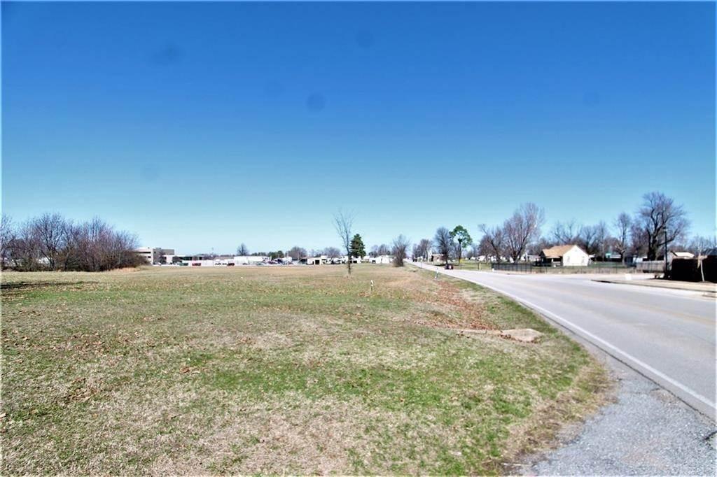 Land for Sale at Barrington Tontitown, Arkansas 72770 United States