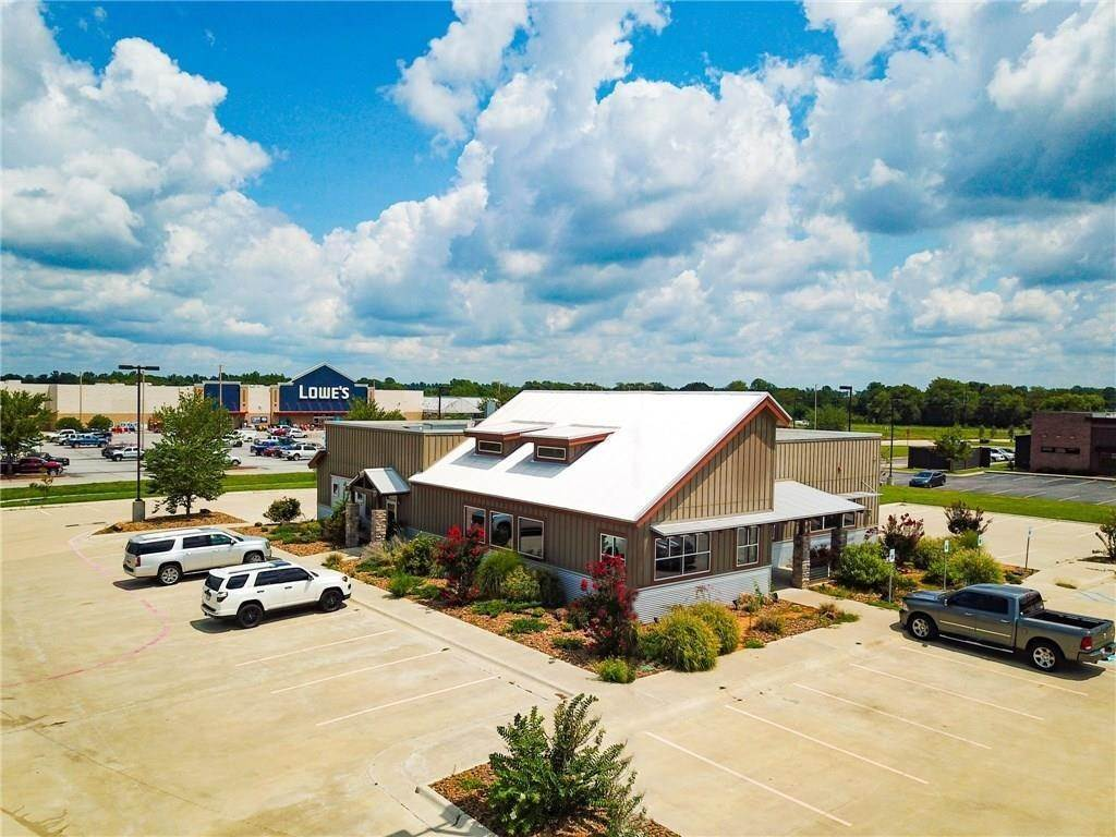 Commercial for Sale at 3451 E 412 Highway Siloam Springs, Arkansas 72761 United States