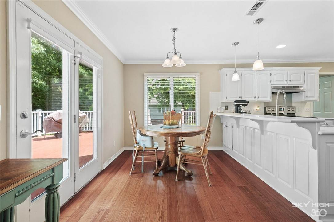 11. Single Family Homes for Sale at 47 Stonehenge Drive Bentonville, Arkansas 72712 United States