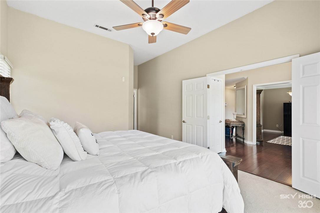 15. Single Family Homes for Sale at 47 Stonehenge Drive Bentonville, Arkansas 72712 United States