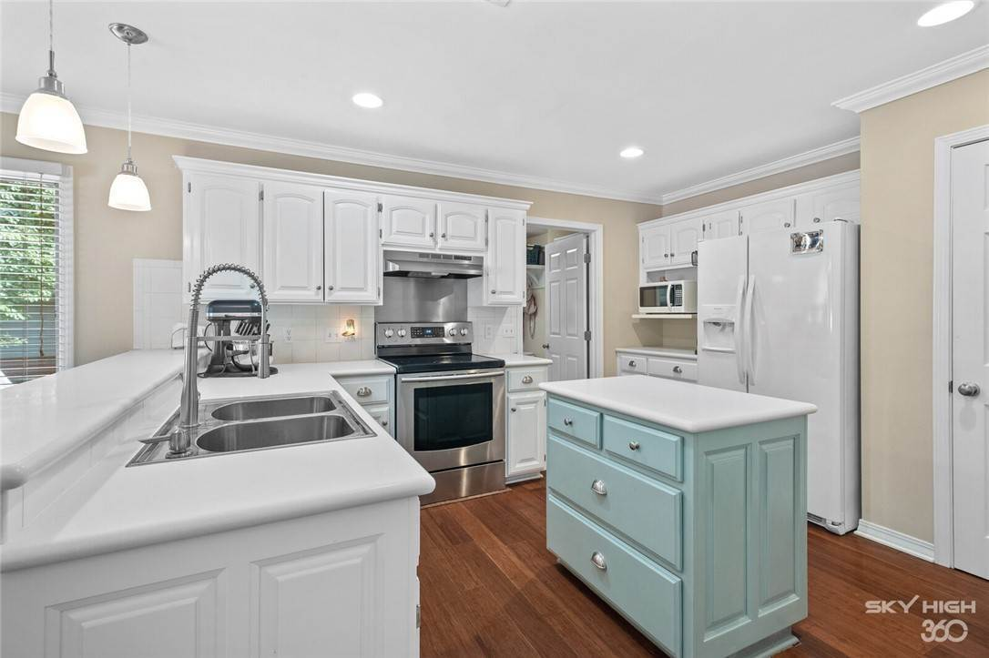 3. Single Family Homes for Sale at 47 Stonehenge Drive Bentonville, Arkansas 72712 United States