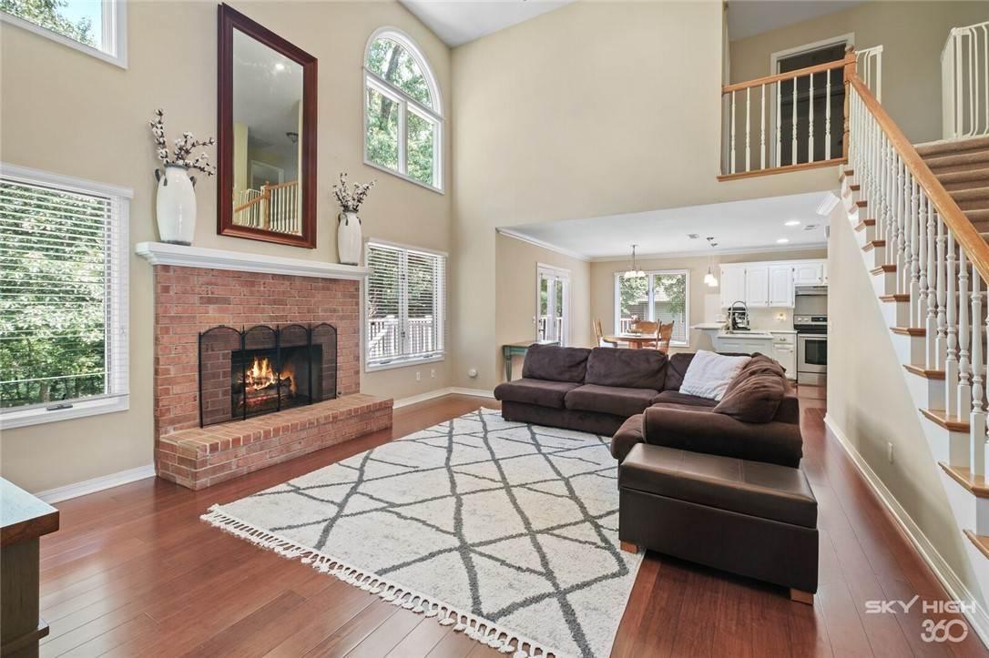 7. Single Family Homes for Sale at 47 Stonehenge Drive Bentonville, Arkansas 72712 United States