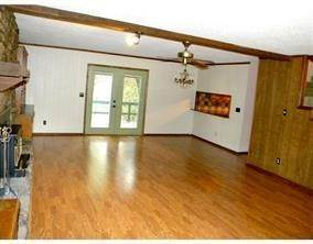7. Single Family Homes for Sale at 12504 Lodge Drive Garfield, Arkansas 72732 United States