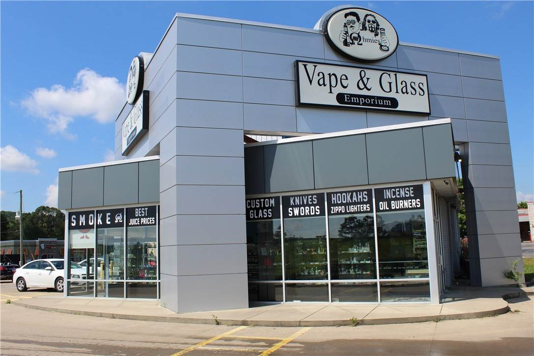 Commercial for Sale at 2518 W Martin Luther King Jr Boulevard Fayetteville, Arkansas 72701 United States
