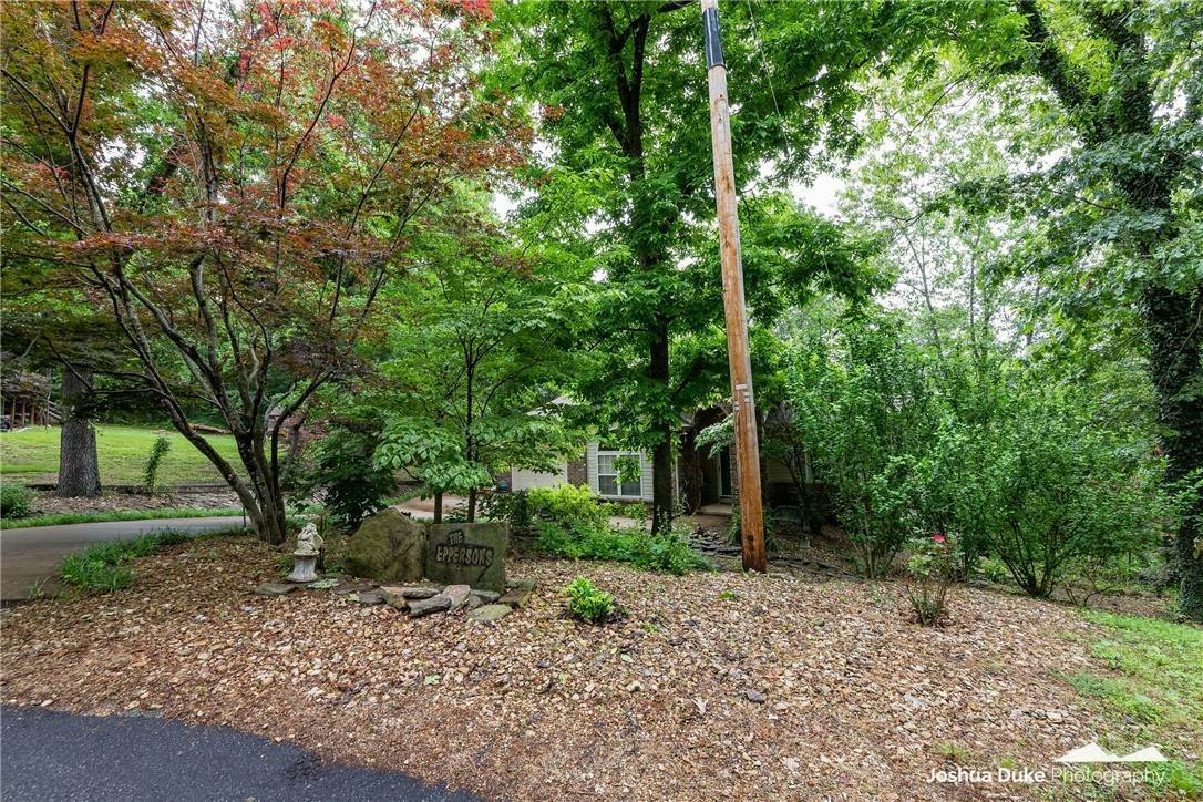 10. Single Family Homes for Sale at 3 Rame Lane Bella Vista, Arkansas 72714 United States