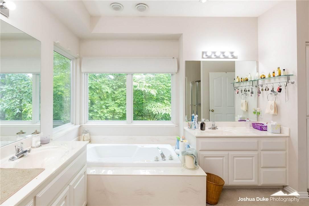 17. Single Family Homes for Sale at 3 Rame Lane Bella Vista, Arkansas 72714 United States