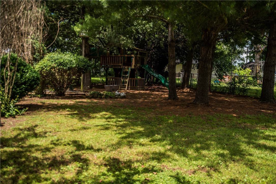 18. Single Family Homes for Sale at 705 Valley West Drive Rogers, Arkansas 72756 United States