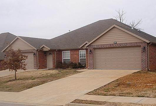 condo / townhouse / duple at 275 Copper Oaks Drive Centerton, Arkansas 72719 United States