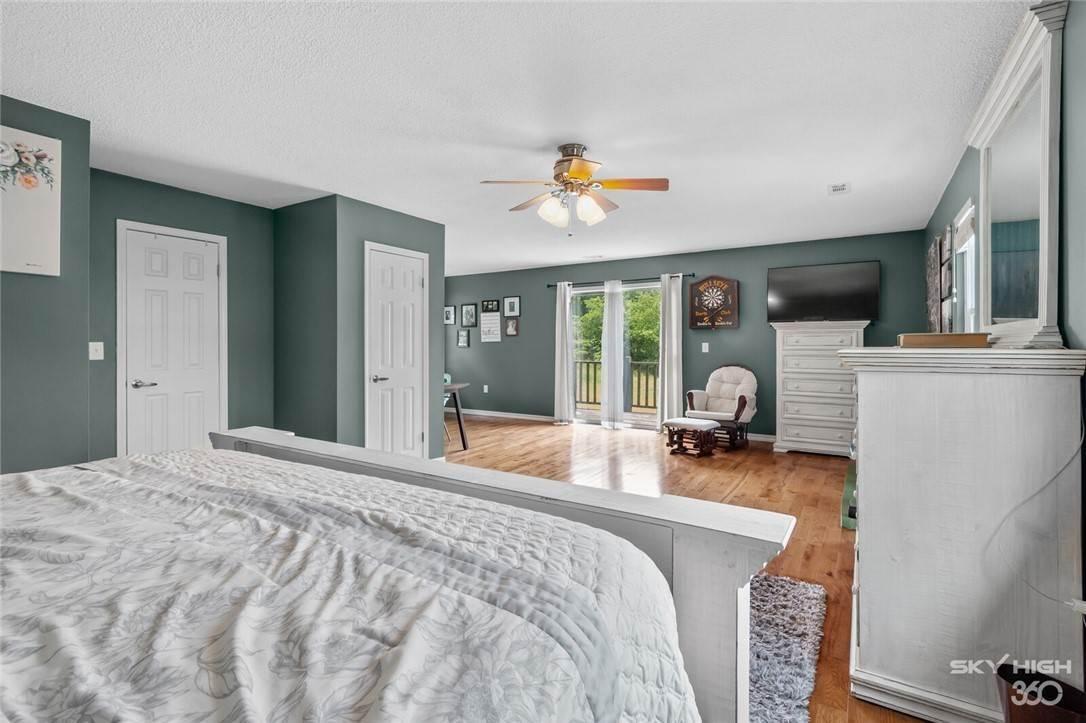 10. Single Family Homes for Sale at 304 Hale Road Elkins, Arkansas 72727 United States