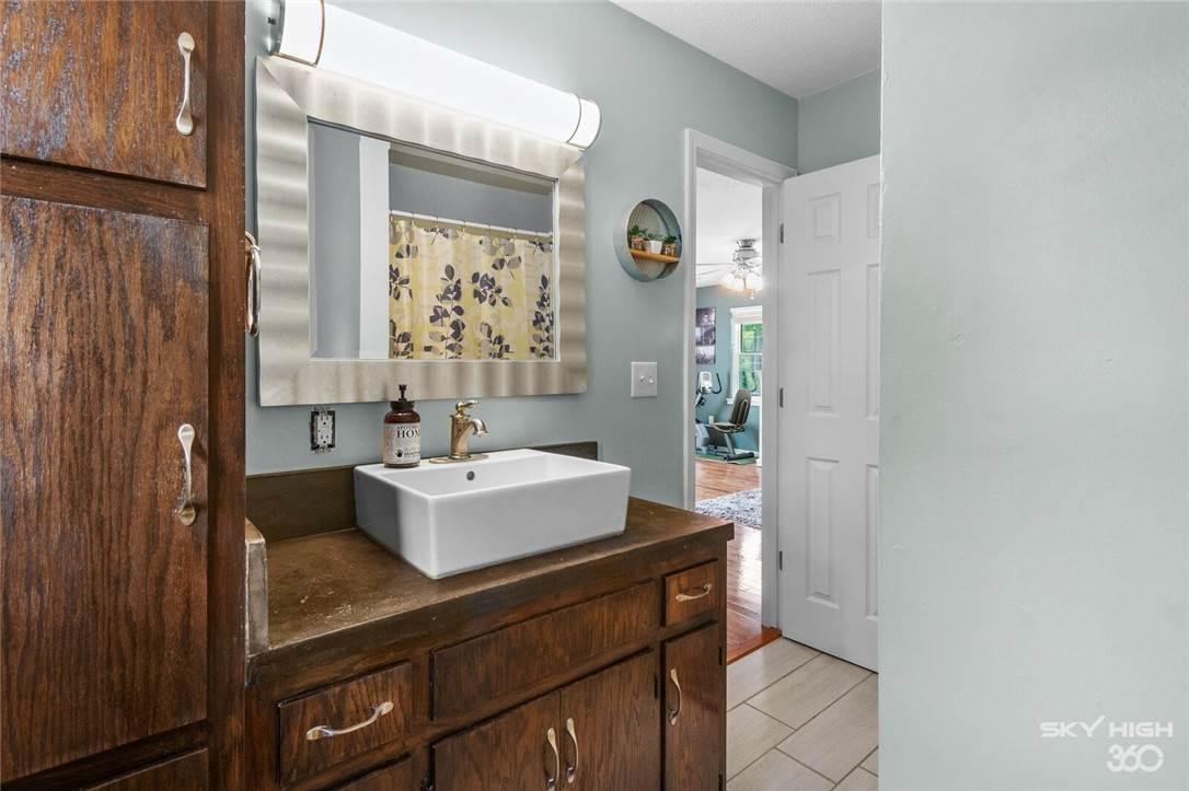 11. Single Family Homes for Sale at 304 Hale Road Elkins, Arkansas 72727 United States