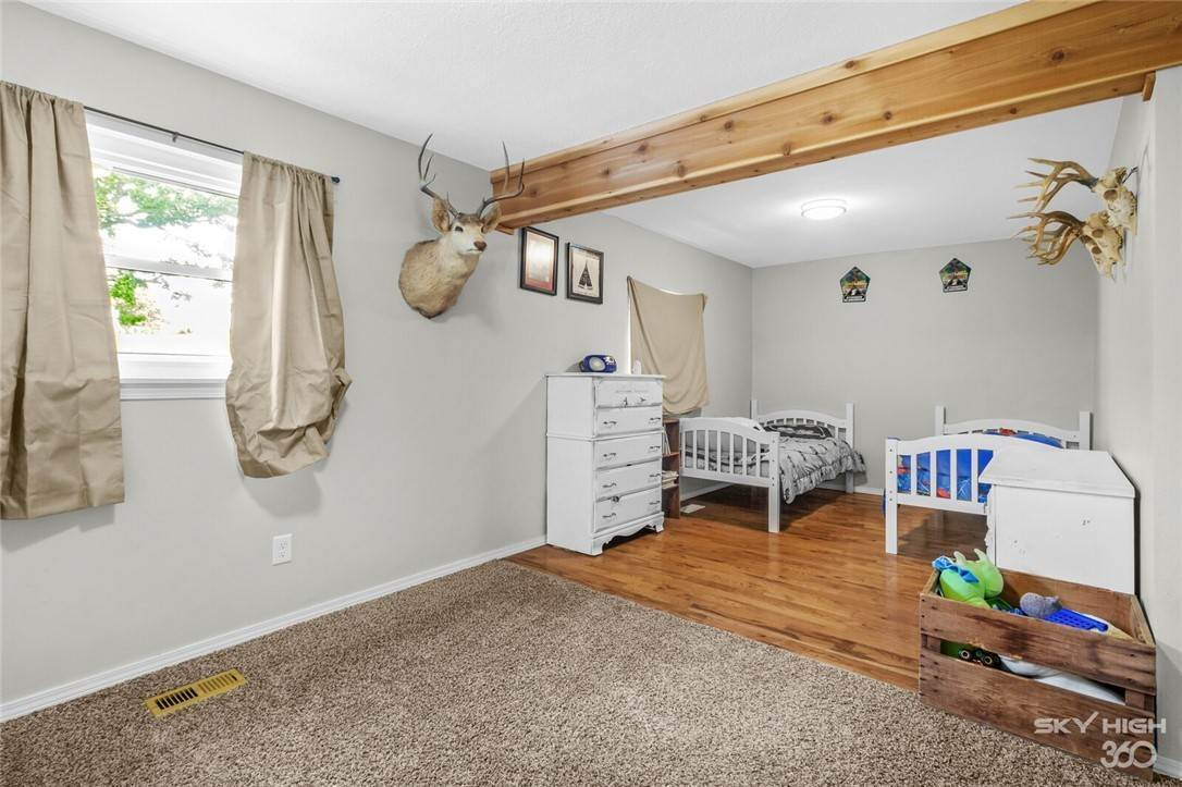 14. Single Family Homes for Sale at 304 Hale Road Elkins, Arkansas 72727 United States
