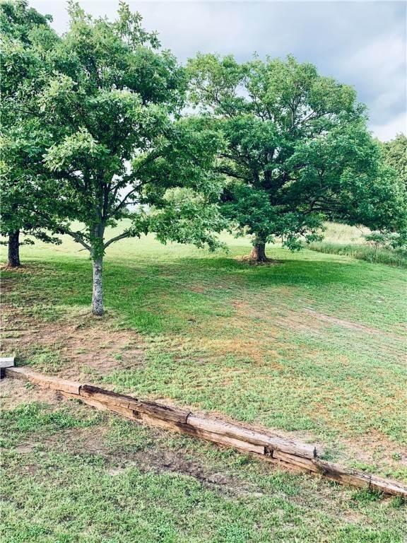 20. Single Family Homes for Sale at 304 Hale Road Elkins, Arkansas 72727 United States