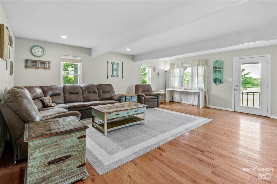 5. Single Family Homes for Sale at 304 Hale Road Elkins, Arkansas 72727 United States