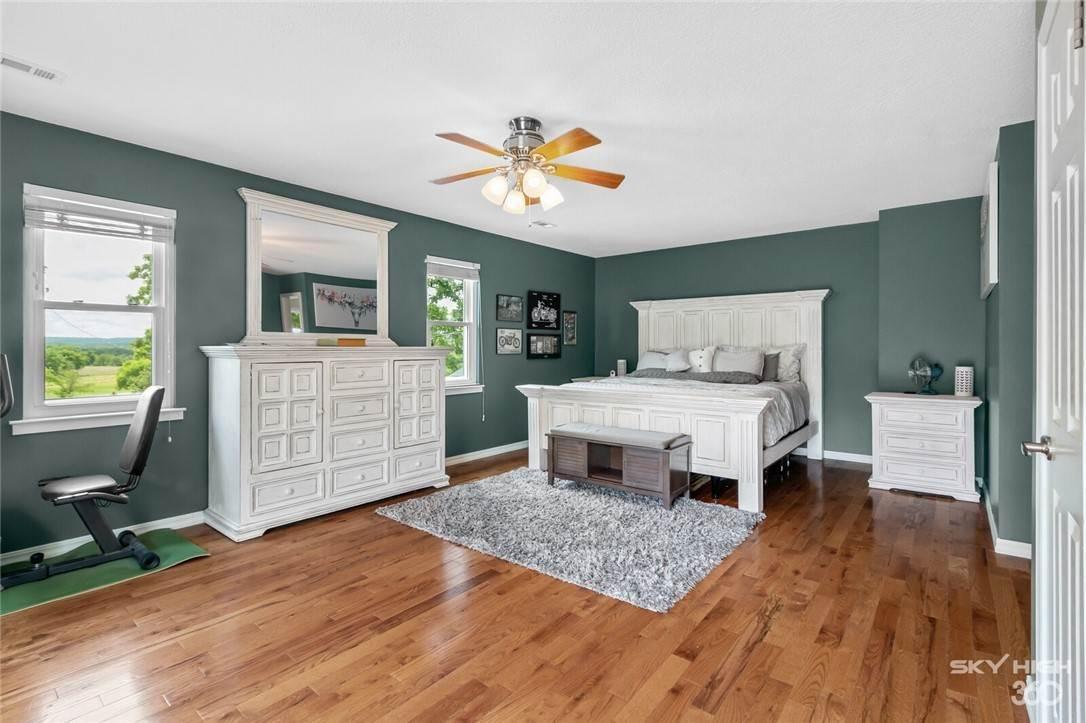 9. Single Family Homes for Sale at 304 Hale Road Elkins, Arkansas 72727 United States